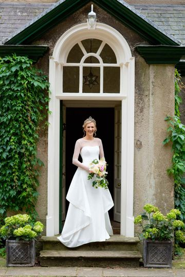 marquee_wedding_at_home_nottinghamshire_richard_greenly_photography_03