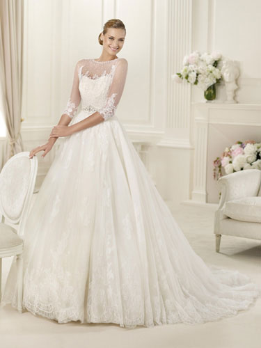 For many brides one of the most important things to do in the early stages of their wedding planning is to find the perfect dress.