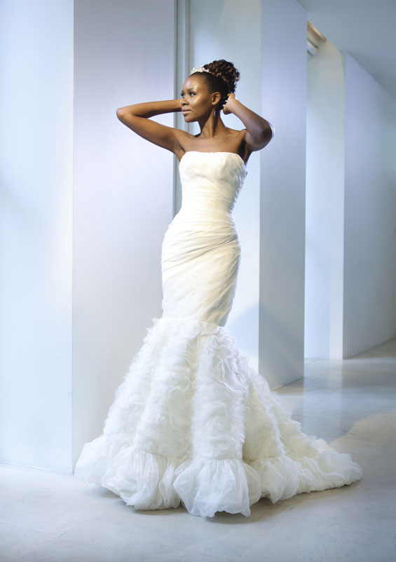 To mark Paris Couture Fashion Week I have a wonderful couture bridalwear treat for you.
