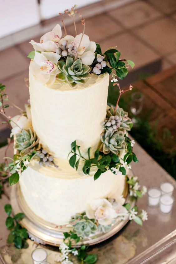 wedding cake trends - Botanical cakes
