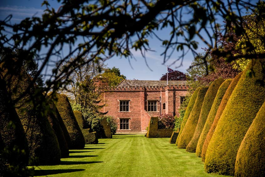 Exclusive use wedding venue in Nottingham - Holme Pierrepont Hall - Pete Henderson Weddings