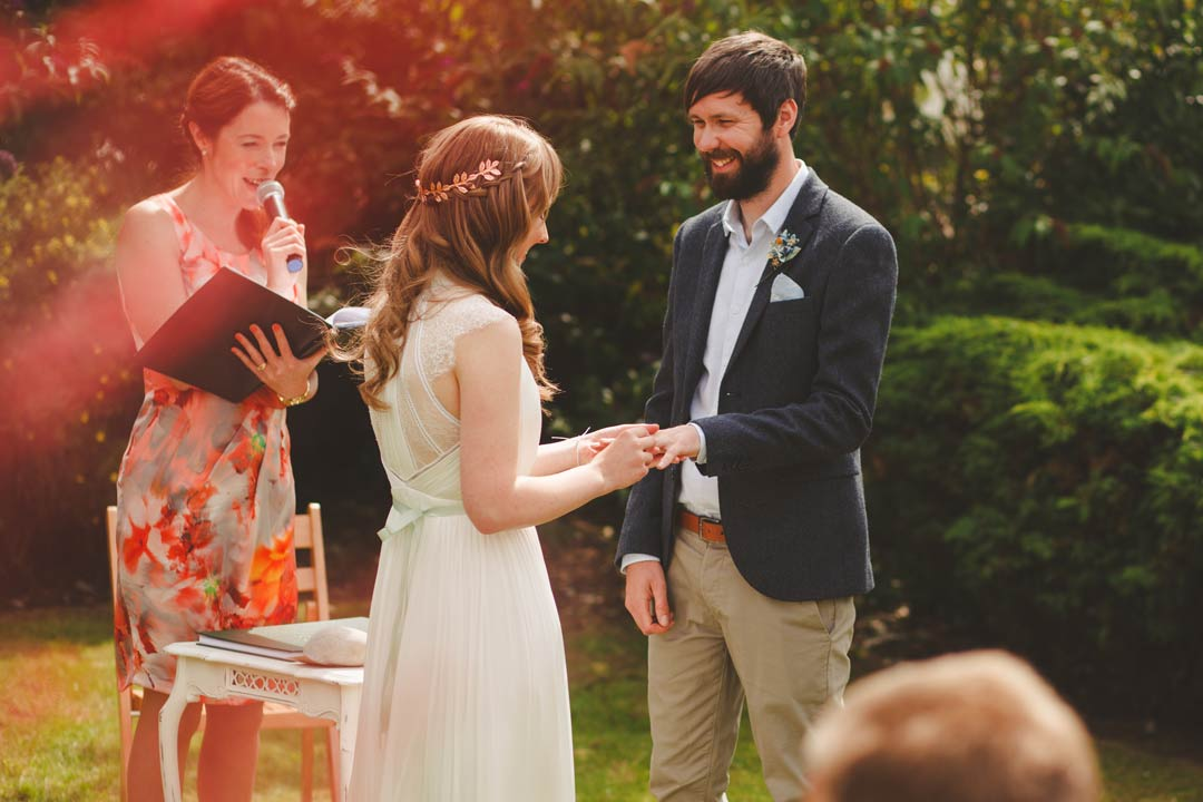 wedding celebrant - Outdoor wedding ceremony
